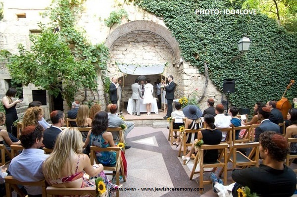 The first Interfaith wedding at the Call of Girona.
