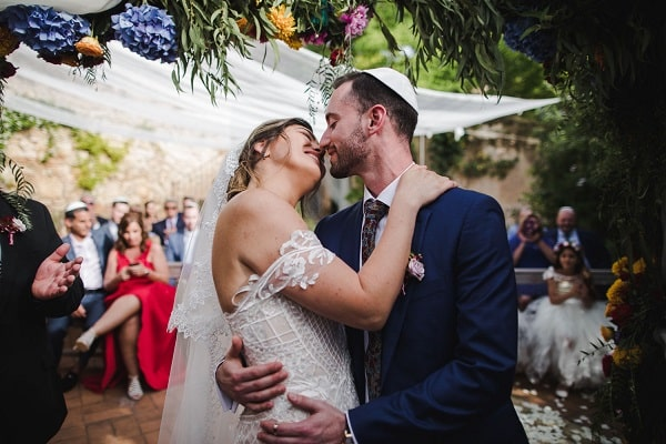 The lovers in the Exciting Jewish Wedding at Casa Felix - Barcelona - Spain